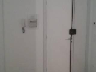 Corridor & hallway by Cioci Ristrutturazioni S.r.l.