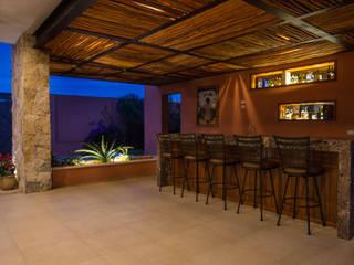 Bar de la Terraza Principal Bodegas modernas de Heftye Arquitectura Moderno Caliza