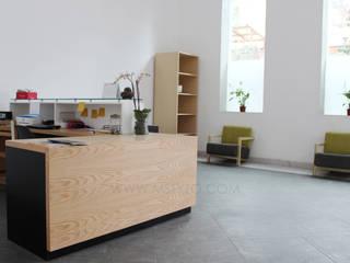 Módulo de recepción:  de estilo  por MSTYZO Diseño y fabricación de mobiliario