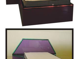 Camas de vidrio de alta gama:  de estilo  de R FRATILA, Moderno