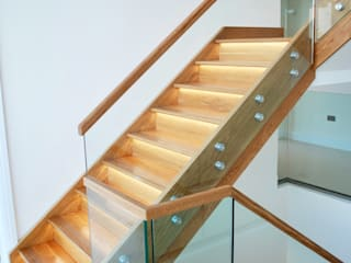 Escaleras de estilo  por David James Architects & Partners Ltd,