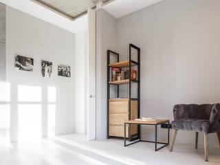 Betonowe mieszkanie: styl , w kategorii  zaprojektowany przez GISMOARCHITECTS,