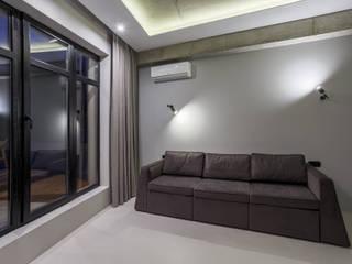 Betonowe mieszkanie: styl , w kategorii  zaprojektowany przez GISMOARCHITECTS