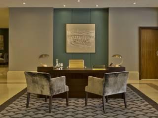 Modern style study/office by Ferreira de Sá Modern