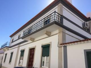 Casa Costa por Leonor da Costa Afonso Clássico