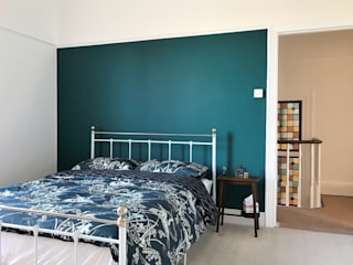 Home decorators in Plumstead, London Paintforme 臥室 Turquoise