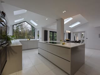 Mr & Mrs Andrews by Diane Berry Kitchens Modern