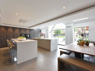 The Horridge family kitchen by Diane Berry Kitchens Modern