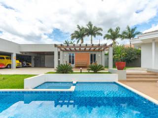 Piscina & Lazer: Piscinas de jardim  por Dani Santos Arquitetura