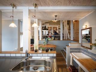 Cucina in stile rustico di dwarf Rustico