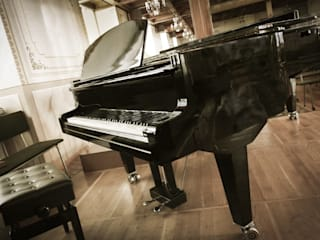 BRAND NEW BLACK STEINHOVEN SG148 SELF PLAYING BABY GRAND PIANO. de Self Playing Piano Moderno