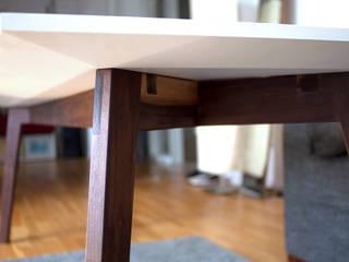 C+Tisch: modern  von Pizzeghello - Architekten Berlin,Modern