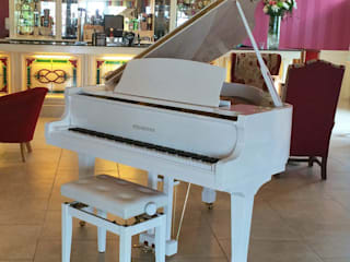 BRAND NEW - STEINHOVEN SG148 - HIGH GLOSS WHITE BABY GRAND PIANO de Self Playing Piano Moderno