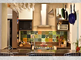 CASARIN MONTEIRO ARQUITETURA & INTERIORES 系統廚具 木頭 Green