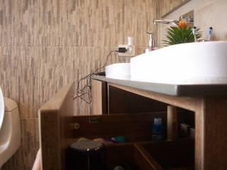 Modern bathroom by TRES52 S.A.S Modern