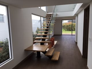 Stairs by Conideal, Modern