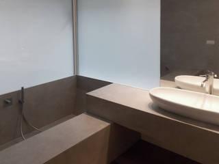 BAGNO PADRONALE: Bagno in stile in stile Minimalista di DELISABATINI architetti