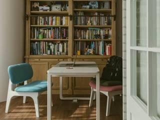 美式風格溫泉套房:  書房/辦公室 by 大觀創境空間設計事務所,