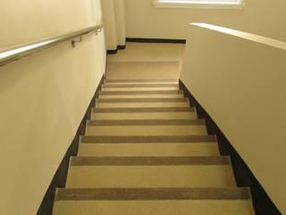 Escalera Ministerio Hacienda de Decosuelos Moderno