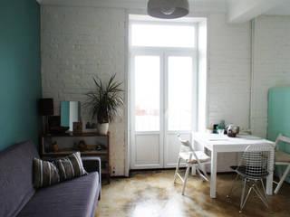 Небольшая гостиная в скандинавском стиле: Гостиная в . Автор – ИЮНЬ