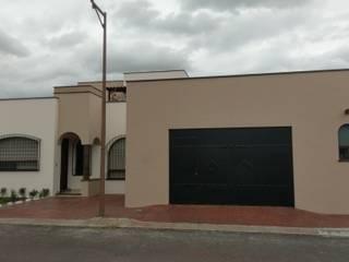 CASA CORREGIDORA I: Casas de estilo  por DEC Arquitectos