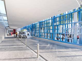Estrella Roja Espacios comerciales de estilo moderno de Dionne Arquitectos Moderno