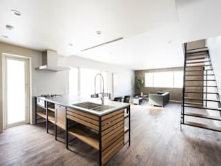 T HOUSE: 安藤建設株式会社が手掛けたキッチンです。