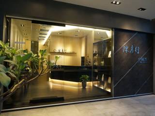 Maisons de style  par 沐築空間設計,