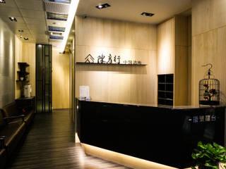 Koridor dan lorong oleh 沐築空間設計, Modern