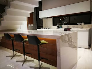 modern  by Esquiliano Arqs, Modern