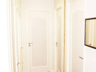 Distribution chambres: Couloir et hall d'entrée de style  par TAG
