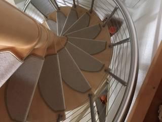 kleine Stufenmatten auf einer Wendeltreppe:   von Kettelbetrieb Tesche