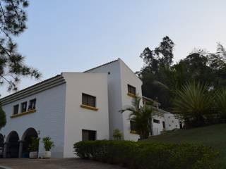 Casa LC: Condomínios  por Patricia Abreu arquitetura e design de interiores,