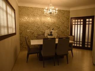 Carla Monteiro Arquitetura e Interiores Dining roomTables