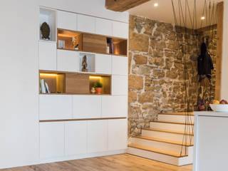Aménagement intérieur canut:  de style  par Guillaume Bouvet