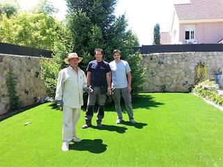 césped artificial modelo Premium en Villafranca del Castillo de paisajistas y jardineros