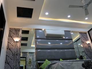 False Ceiling Design in Bedroom:  Bedroom by Enrich Interiors & Decors