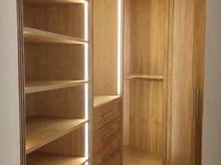 Falegnameria su misura BedroomWardrobes & closets Kayu