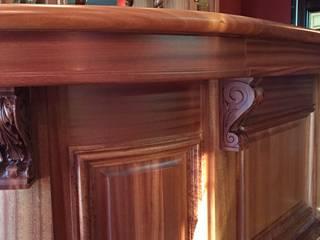 Falegnameria su misura Ruang Keluarga Klasik Kayu