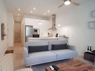 Ruang Keluarga Modern Oleh SANDRA DE VENA, ARQUITECTURA Y CONSTRUCCION Modern