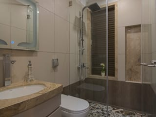 Mr. Shah's Residence : To create a Luxurious Lifestyle Design:  Bathroom by Banaji & Associates