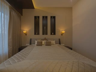 Mr. Shah's Residence : To create a Luxurious Lifestyle Design:  Bedroom by Banaji & Associates