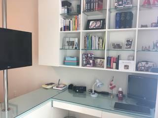 Dormitorios de estilo moderno de Giovanna Brigatti arquitetura + design Moderno Tablero DM