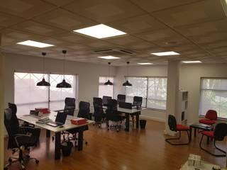 Remodelação escritório por Traço in Clássico