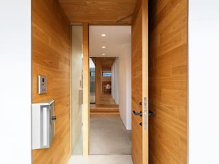 一級建築士事務所haus Scandinavian style corridor, hallway& stairs Wood Brown