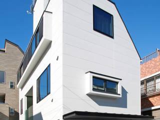 ひかりを組み込む家: 設計事務所アーキプレイスが手掛けた家です。