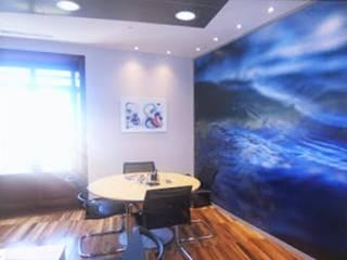 Un mural con doble función:  de estilo  de CONSUELO TORRES