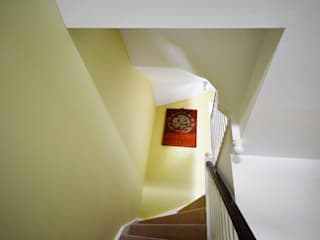 Painting and decorating in Royal Arsenal, London Modern corridor, hallway & stairs by Paintforme Modern