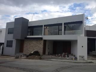 Lomas del Refugio: Casas unifamiliares de estilo  por ALVARO CARRILLO arquitecto