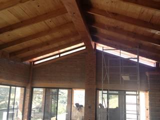 Vergel de la Sierra: Casas unifamiliares de estilo  por ALVARO CARRILLO arquitecto